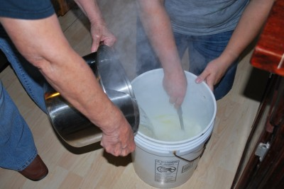 More Hot Water 400x267 Homemade Liquid Laundry Detergent