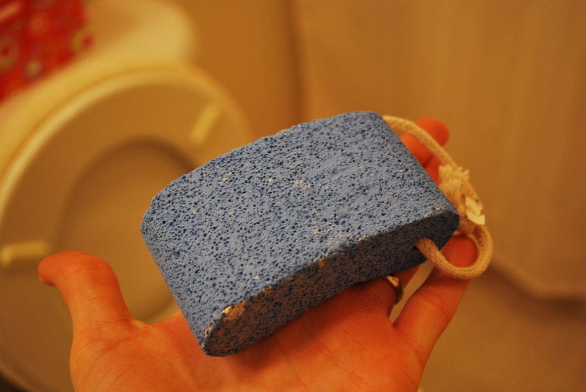Cleaning Hard Water Toilet Stains - Humorous Homemaking