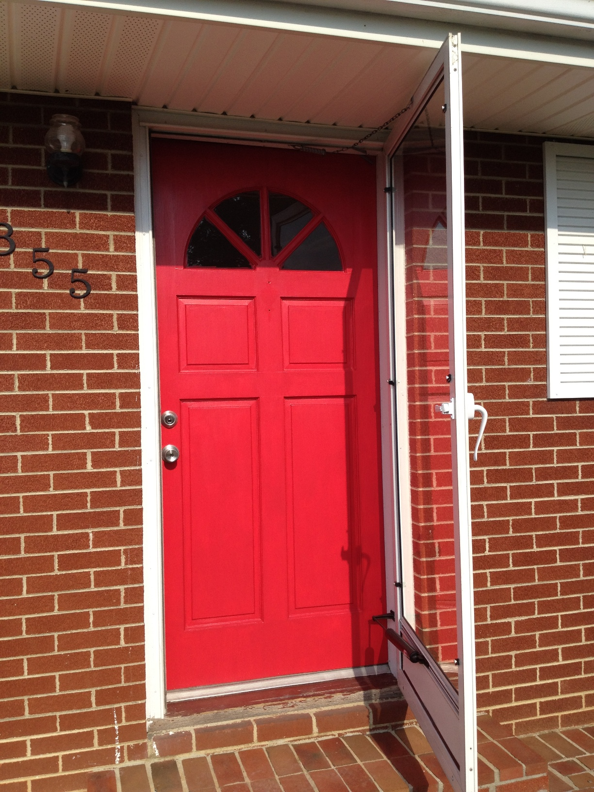 Red front door casual cottage for Pictures of front doors